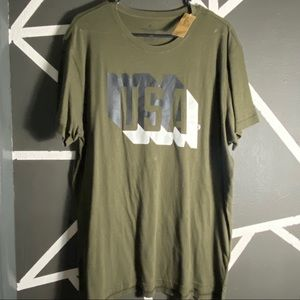 NWT - American Eagle T-Shirt - Size XL